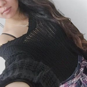 Tops - Black V-Neck Knitted Top